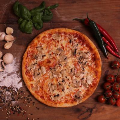 Sajtos - gombás pizza