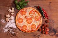 Paradicsomkarikás pizz